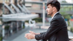 Mise au placard au travail : que faire ?