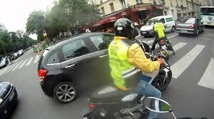 Qui paie lors d'une collision entre une voiture et une moto ?