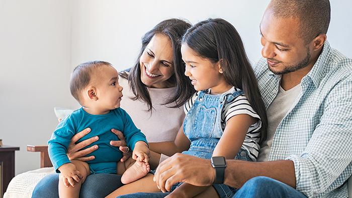 nom de famille de l'enfant, celui du père ou de la mère ?