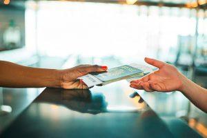 Demander un titre de séjour salarié : les 4 points essentiels