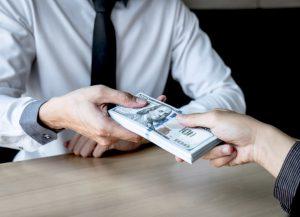Victime de détournement de fonds ? 5 éléments essentiels à retenir
