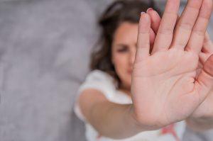 Porter plainte pour harcèlement moral dans la vie privée