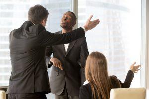 Le salarié peut-il refuser d'exécuter une tâche au motif qu'elle ne relève pas de ses attributions ?