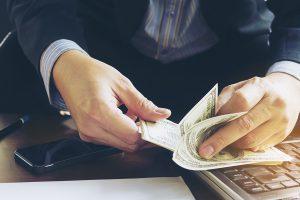 Licenciement économique maintien de salaire