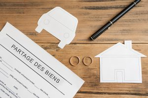 Partage des biens en cas de divorce sans contrat de mariage
