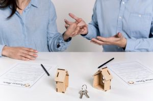 Comment se séparer avec une maison en commun ?