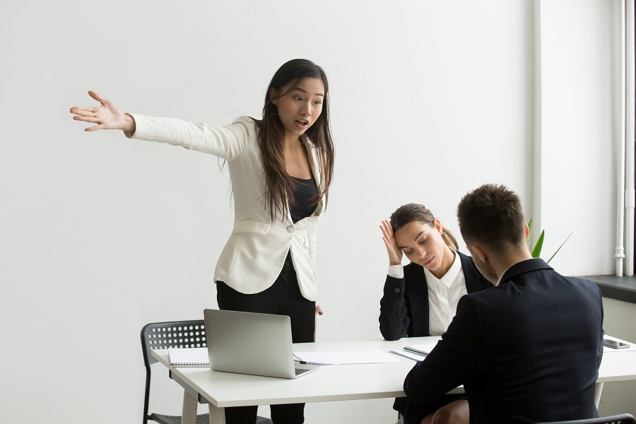 """Alt=""""Insulte au travail"""""""