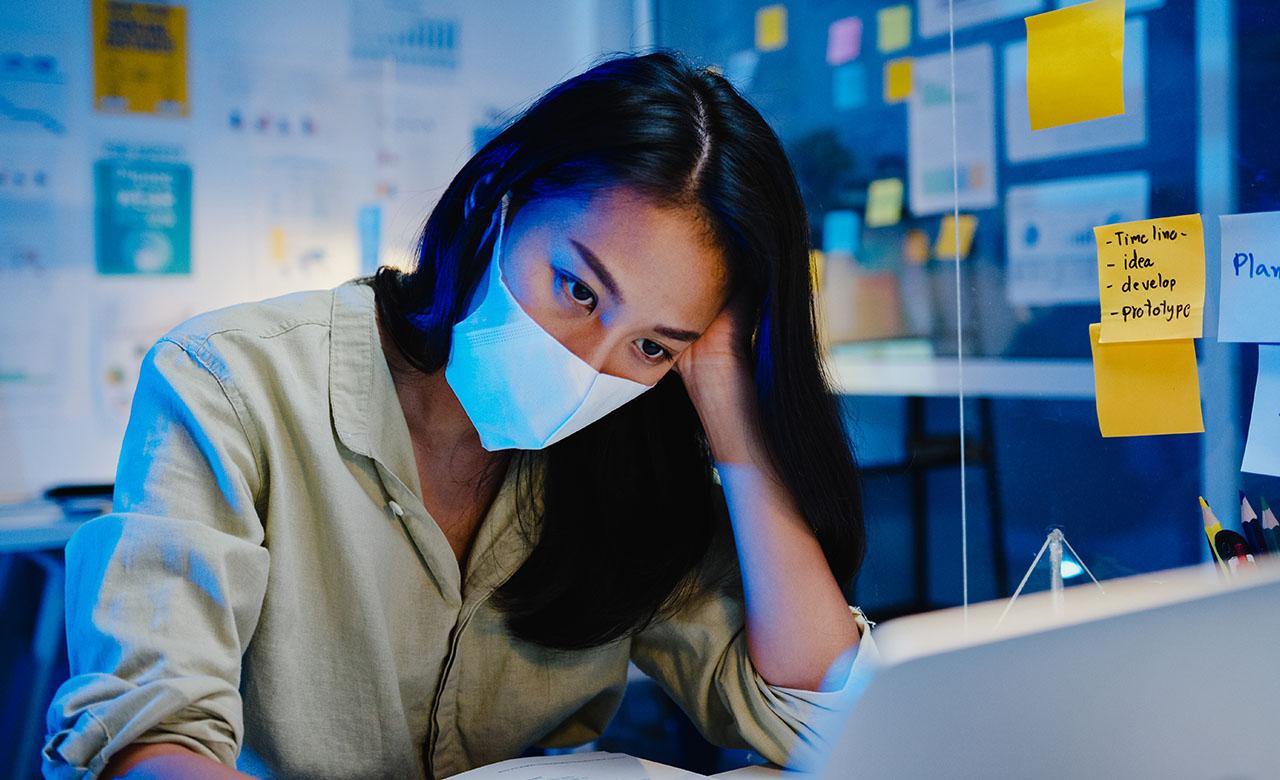 """Alt=""""COVID 19 : mon employeur peut-il me forcer à venir travailler au bureau ?"""""""