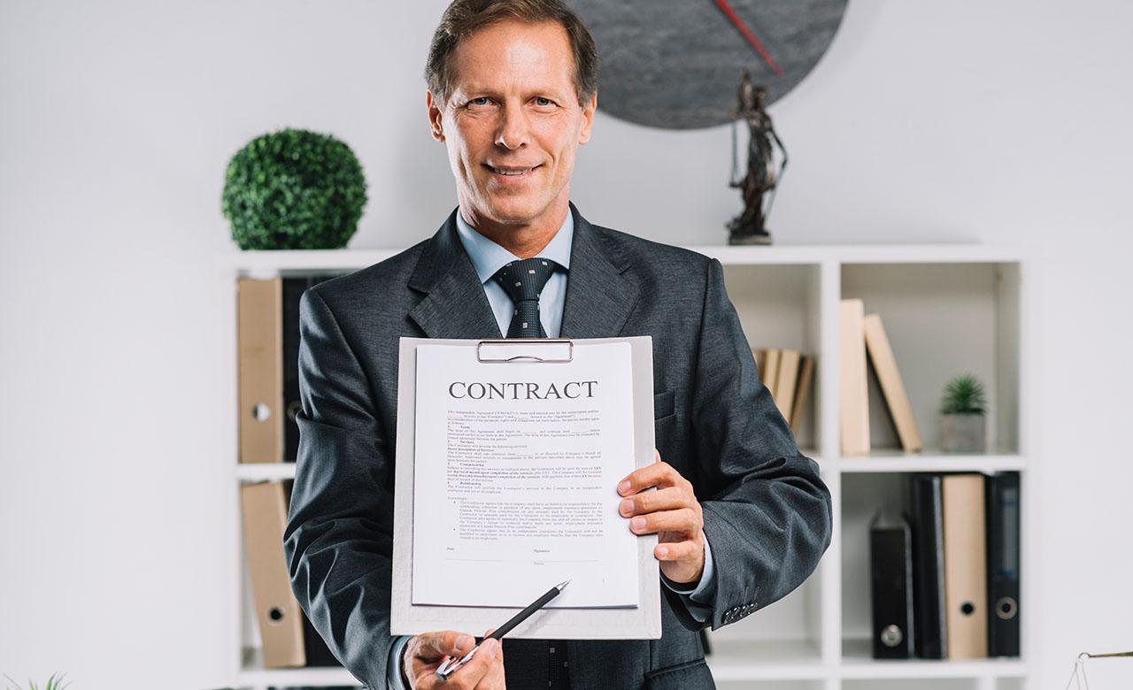"""Alt=""""Les spécificités du droit des contrats"""""""