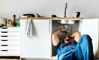 Facture abusive plombier – Que faire ?