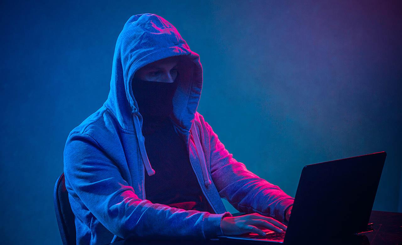 """Alt=""""Piratage de la ligne téléphonique : quels sont les recours ?"""""""